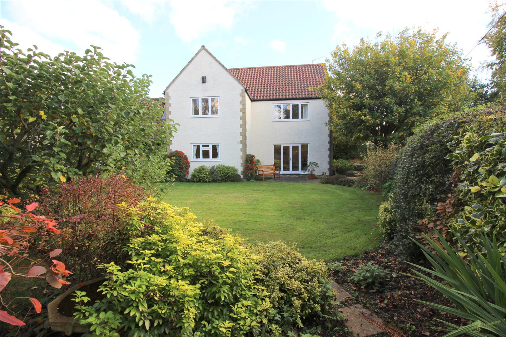 5 Bedrooms Detached House for sale in Fairleigh Rise, Kington Langley